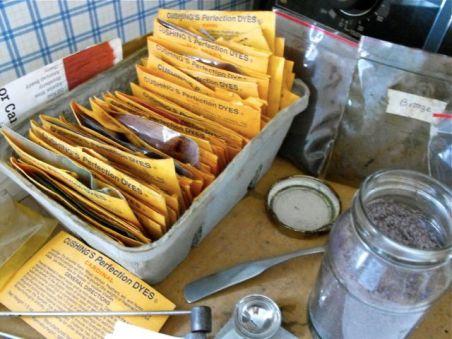 dye packets on dye table